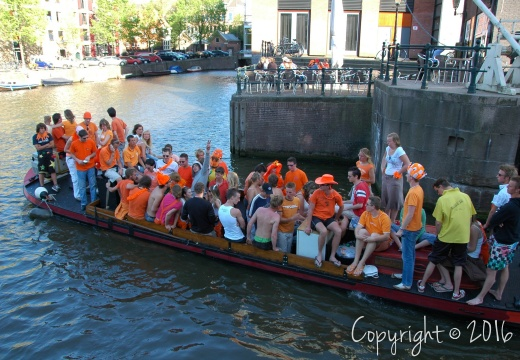 DSC 6800 Queensday f